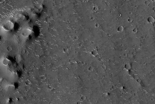 天问一号拍摄到高清火星影像图